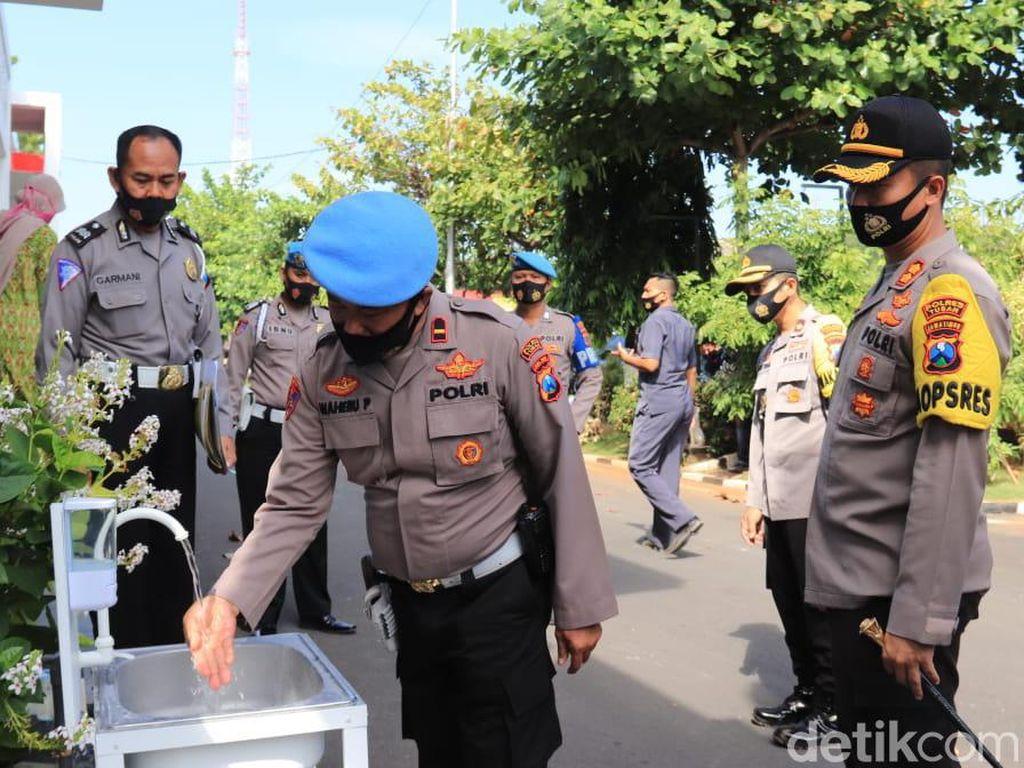 Laksanakan Inpres, Polisi di Tuban Perketat Protokol Kesehatan