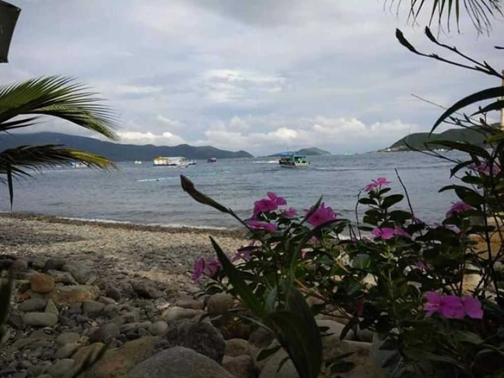 Dua Garis Pantai di Pulau Bai Tranh Vietnam