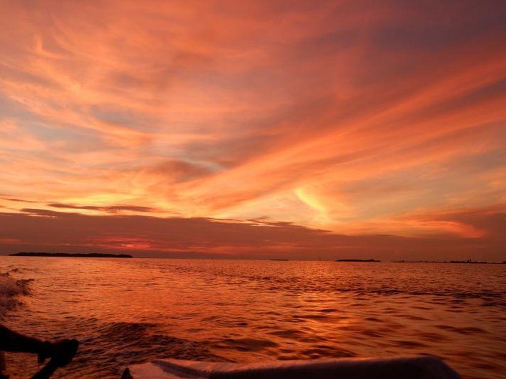 Sunset Cantik di Pulau Pramuka