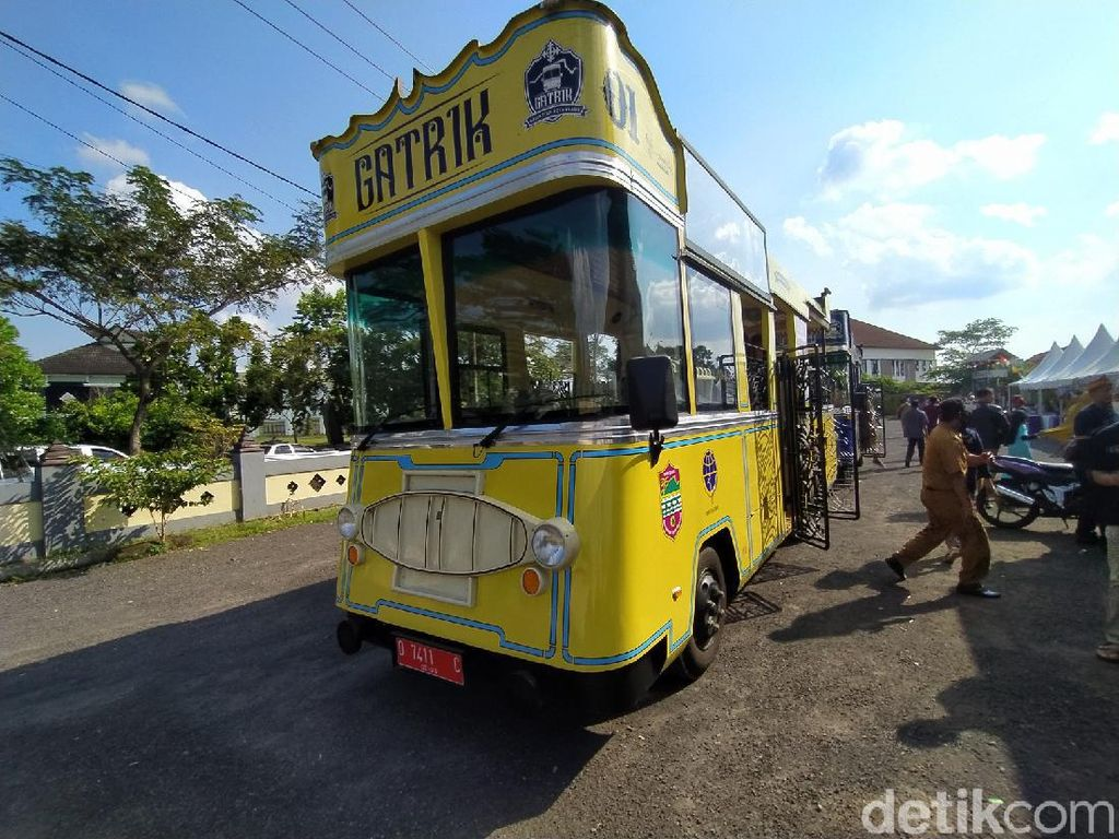 Bus Gatrik Jadi Andalan Ciamis Sambangi Kawasan Desa