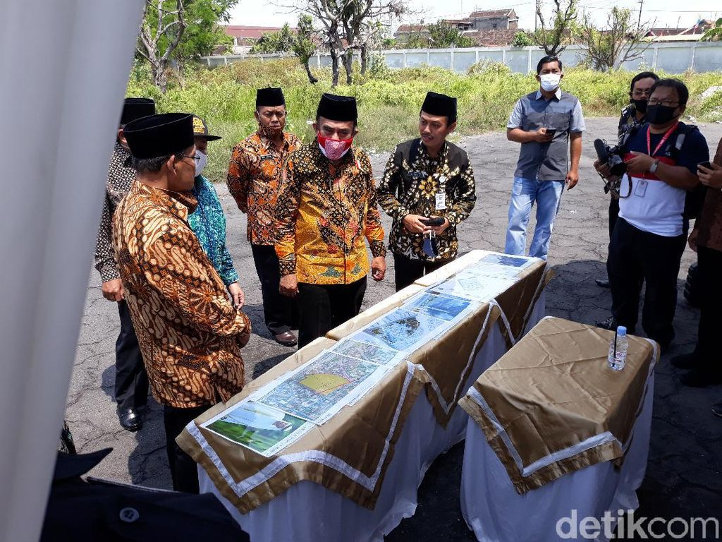 Menag Cek Lokasi Calon Masjid Hadiah Pangeran Arab untuk Jokowi di Solo
