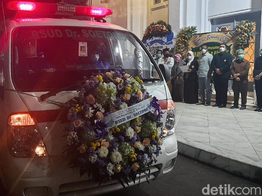 Penghormatan Terakhir Dokter Orthopedi di Surabaya Meninggal Terpapar COVID-19