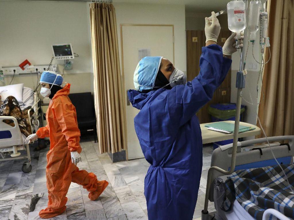 Kasus COVID-19 di Iran Tembus 2 Juta Setahun Pandemi