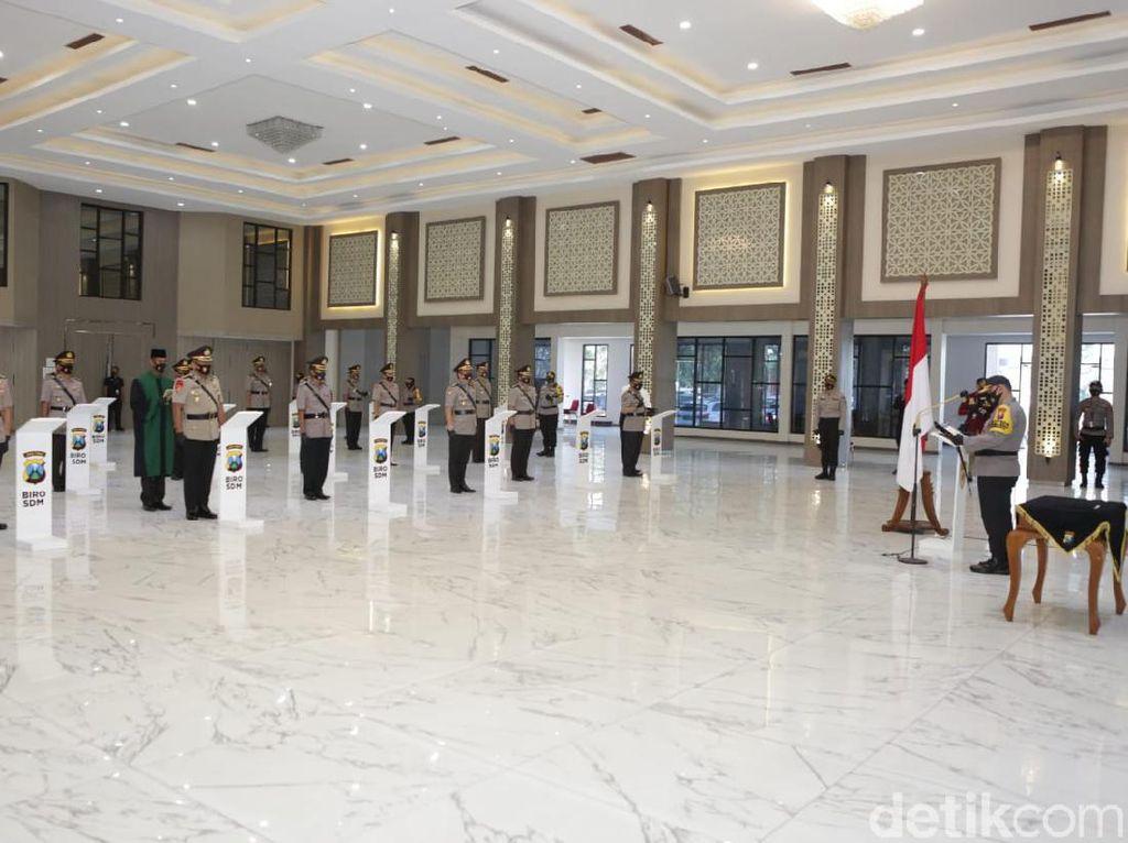 Pejabat Utama hingga Kapolres di Polda Jawa Timur Dimutasi