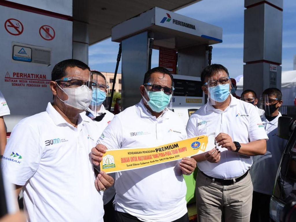Cegah Orang Kaya Minum Premium cs, Mobil Ditempeli Stiker Sindiran