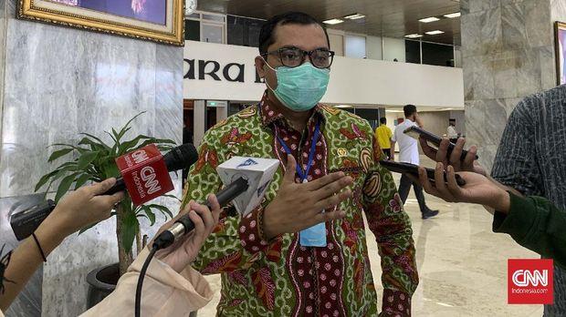 Wakil Ketua Baleg DPR RI Achmad Baidowi atau yang akrab disapa Awiek saat ditemui di Kompleks Parlemen, Senayan, Jakarta pada Rabu (19/8). (CNN Indonesia/Martahan Sohuturon)