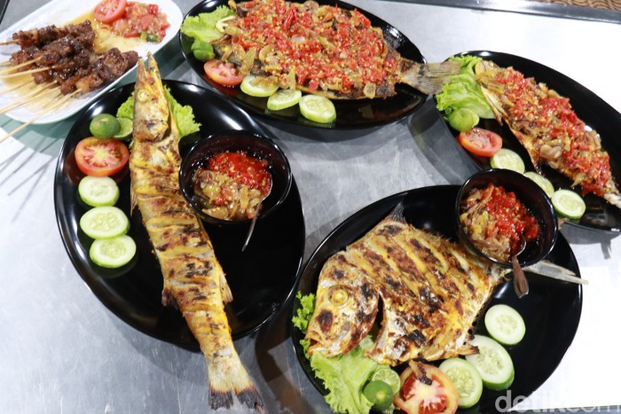 Ikan bakar di Bandung