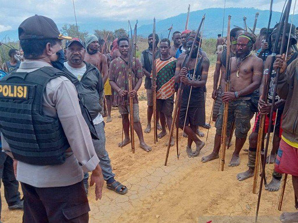 Warga 2 Kampung Papua Minta Izin Perang 3 Hari, Polisi ke Lokasi Mendamaikan