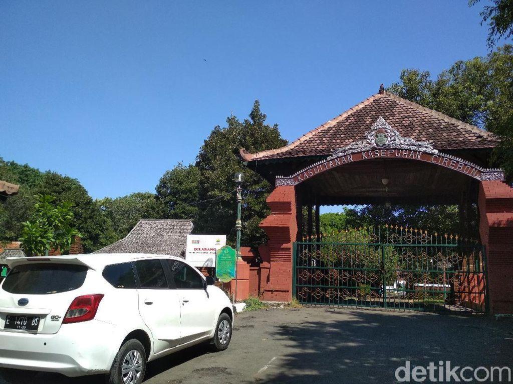 Libur Panjang, Keraton Kasepuhan Cirebon Diserbu Wisatawan