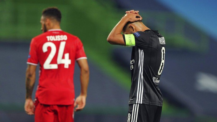 Lyons Houssem Aouar reacts during the Champions League semifinal soccer match between Lyon and Bayern Munich at the Jose Alvalade stadium in Lisbon, Portugal, Wednesday, Aug. 19, 2020. (Miguel A. Lopes/Pool via AP)