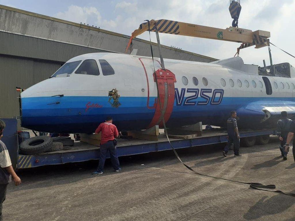Melihat Detik-detik Pesawat Karya BJ Habibie Dimuseumkan
