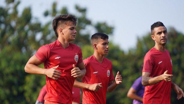 Dua pemain calon naturalisasi Thiago Apolina Pereira dan Maike Henrique Irine De Lima merapat ke Persija Jakata.