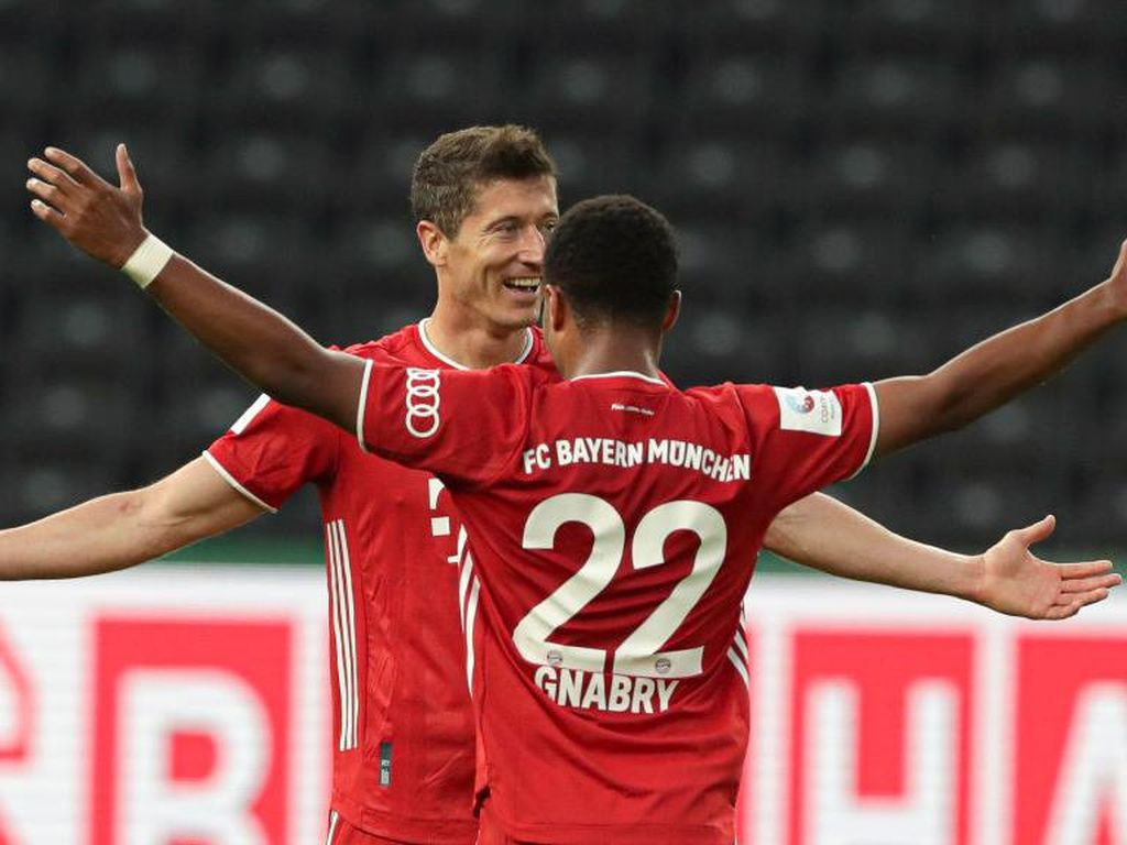 Lewandowski-Gnabry Tak Terbendung di Liga Champions