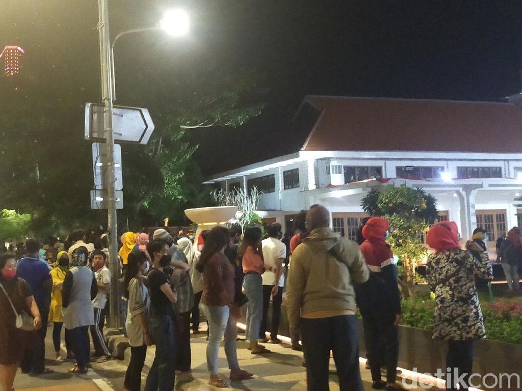 Pertunjukan Seni di Alun-alun Suroboyo yang Digagas Pemkot Tak Berizin