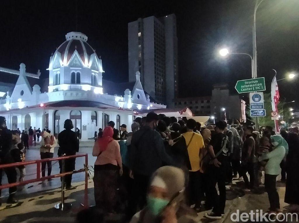 Bikin Warga Berkerumun, Alun-alun Suroboyo Terancam Ditutup