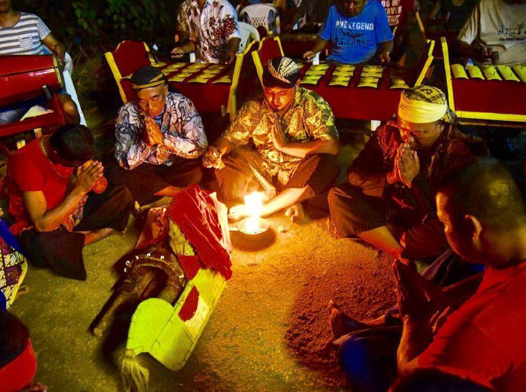 Di Suriname Tradisi Jawa Digenggam Erat dan Dipertahankan