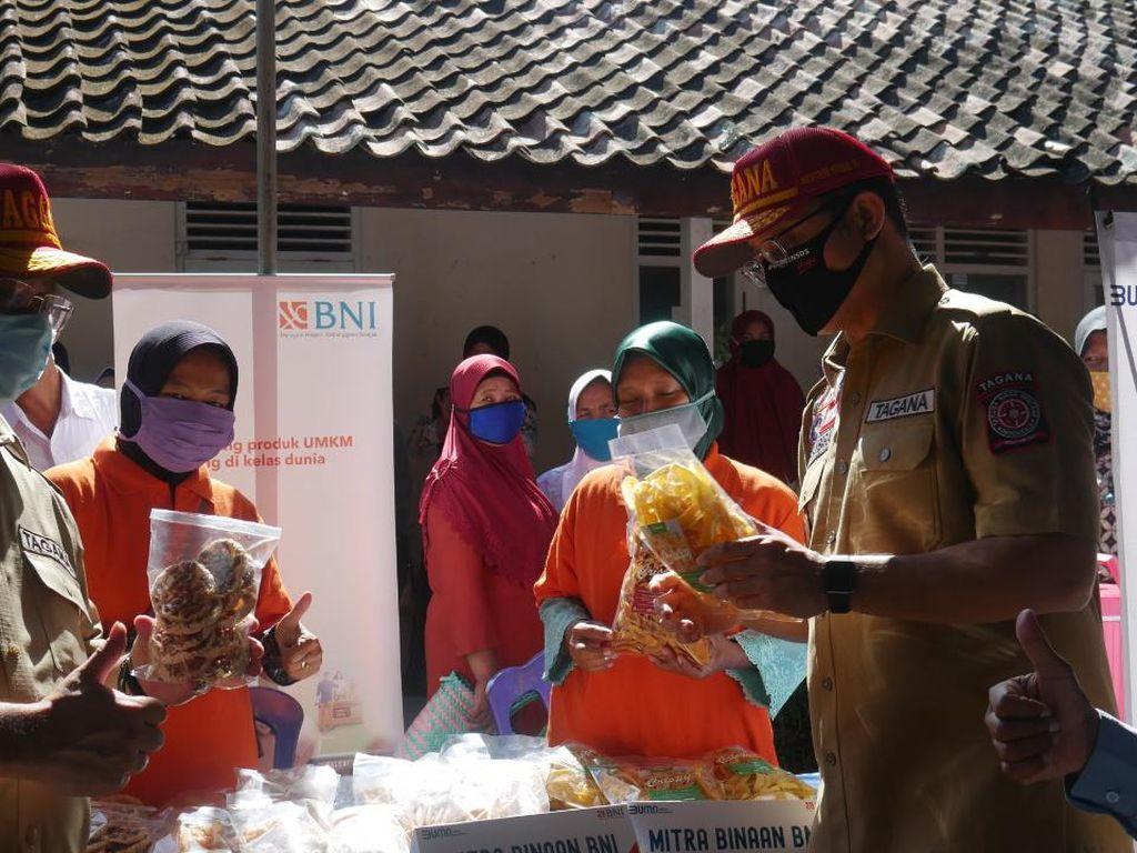 Penyaluran BST dan Sembako di Kulon Progo