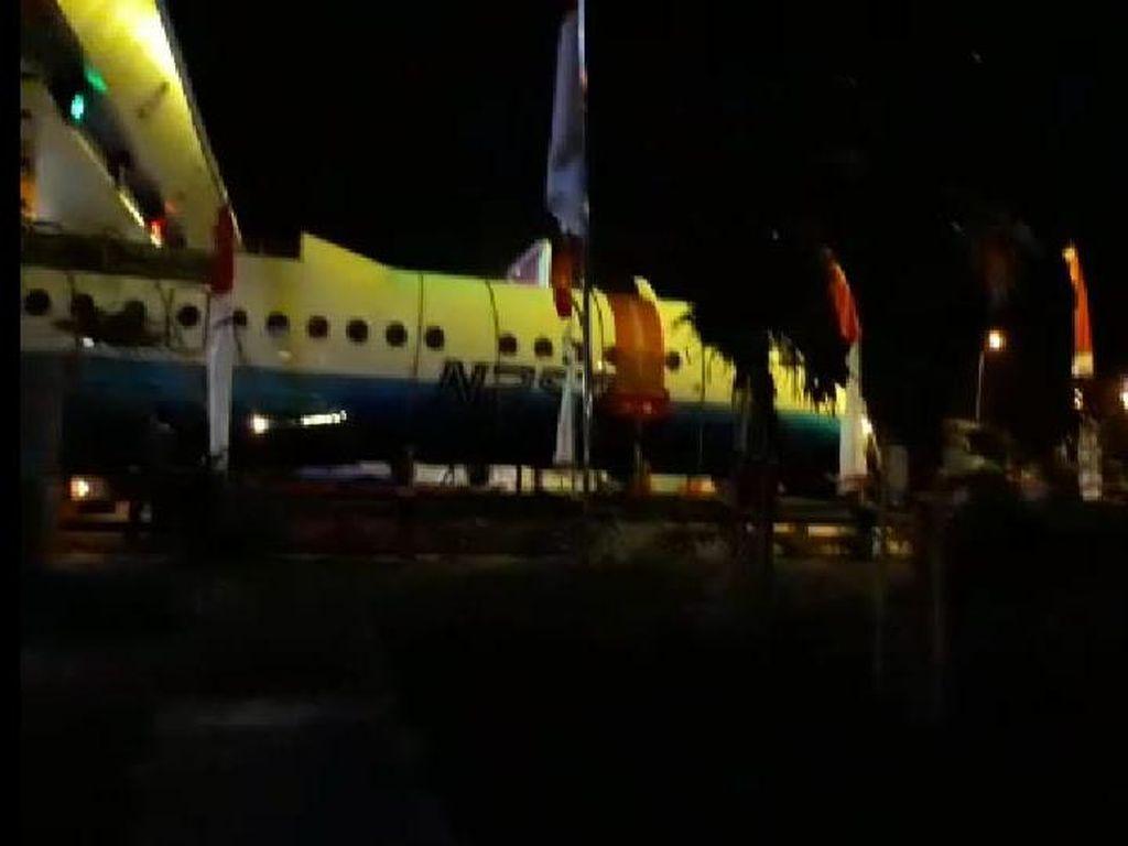 Pesawat N250 Gatotkaca Karya Habibie Nyaris Nyangkut di Tol Banyumanik
