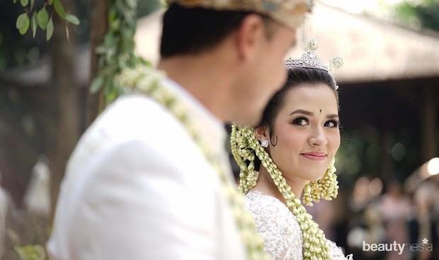 Inspirasi Pernikahan Sunda ala Artis