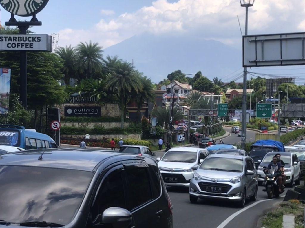 Wisata Diperketat karena Pandemi, Volume Kendaraan ke Puncak Bogor Turun