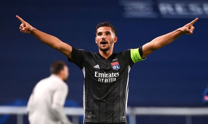 LISBON, PORTUGAL - AUGUST 15: Houssem Aouar of Olympique Lyon celebrates following his teams victory in the UEFA Champions League Quarter Final match between Manchester City and Lyon at Estadio Jose Alvalade on August 15, 2020 in Lisbon, Portugal. (Photo by Franck Fife/Pool via Getty Images)
