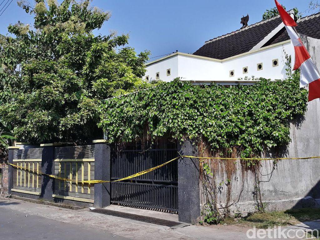 Melihat Rumah 4 Orang Sekeluarga Sukoharjo yang Ditemukan Tewas