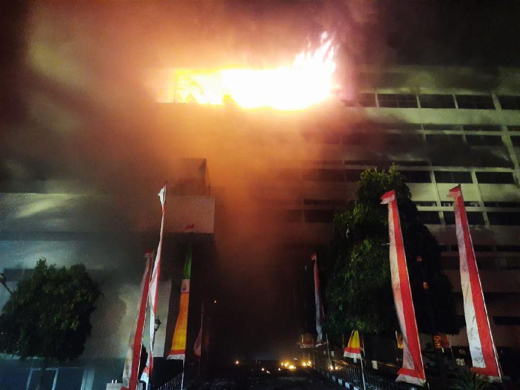 Ada Kebakaran, Kompleks Gedung Kejaksaan Agung Disterilkan