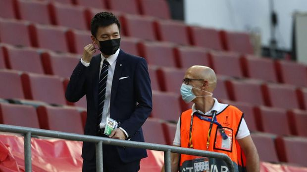 COLOGNE, GERMANY - AUGUST 21: Steven Zhang, President of FC Internazionale looks on prior to the UEFA Europa League Final between Seville and FC Internazionale at RheinEnergieStadion on August 21, 2020 in Cologne, Germany. (Photo by Lars Baron/Getty Images)