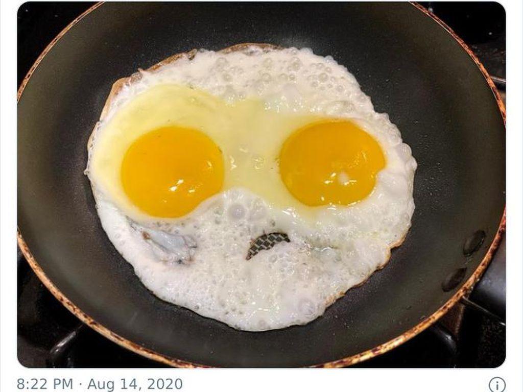 10 Telur Mata Sapi Buatan Netizen Ini Berbentuk Alien hingga Monster