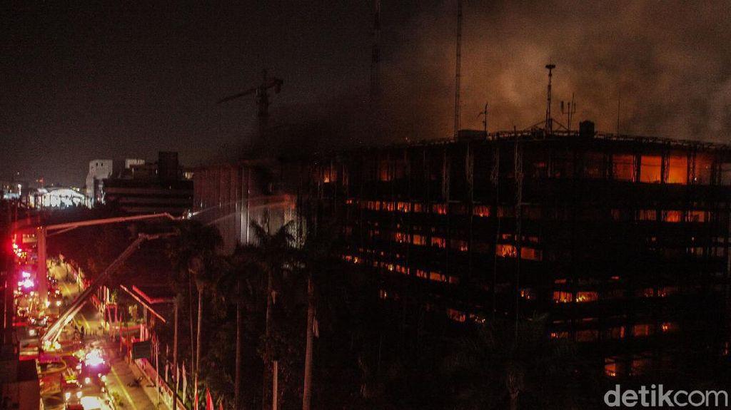 Foto-foto Kebakaran Gedung Kejagung RI