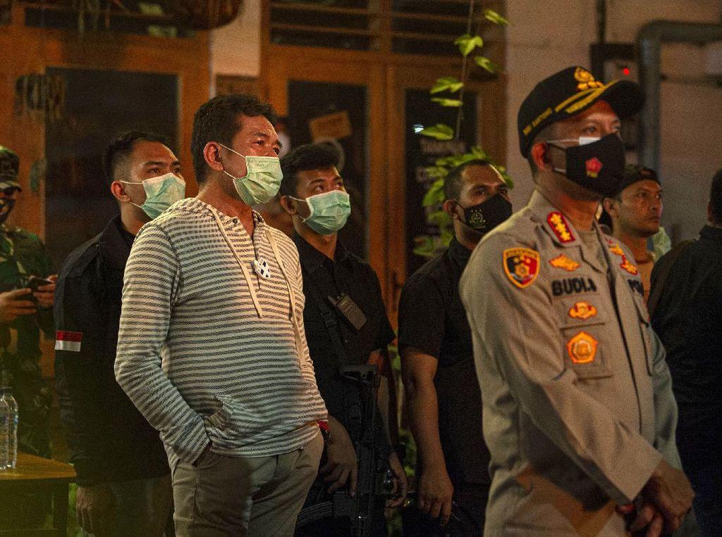 Momen Jaksa Agung Pantau Pemadaman Kebakaran Gedung Kejagung