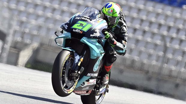 Petronas Yamaha SRT's Italian rider Franco Morbidelli rides during the fourth practice session ahead of the MotoGP Styrian Grand Prix on August 22, 2020 at Red Bull Ring circuit in Spielberg bei Knittelfeld, Austria. (Photo by JOE KLAMAR / AFP)