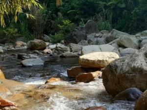 Wisata Alam Leuwi Lieuk yang Asri di Bogor