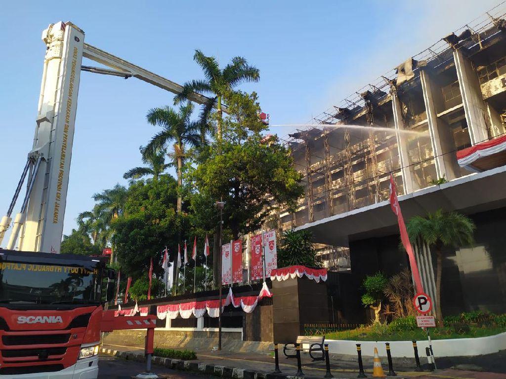 Damkar: Seluruh Gedung Kejagung Habis Terbakar