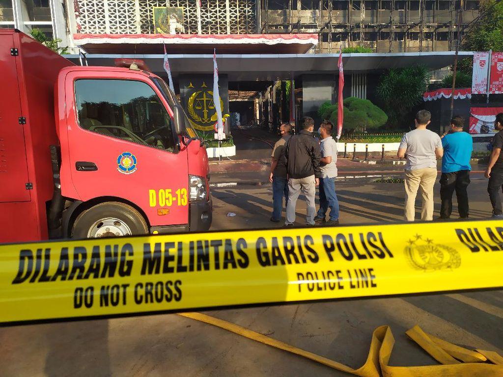 Kebakaran Padam, Polisi Akan Olah TKP di Gedung Kejagung