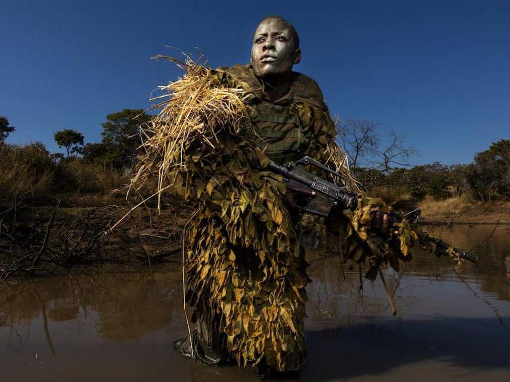 Akashinga Pasukan Perempuan Pelindung Gajah dari Zimbabwe