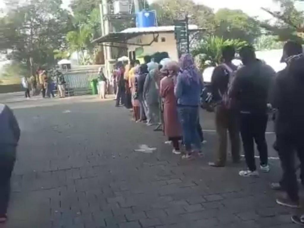 Viral Antrean Mengular Pasutri Mau Cerai di PA Bandung, Apa Benar?