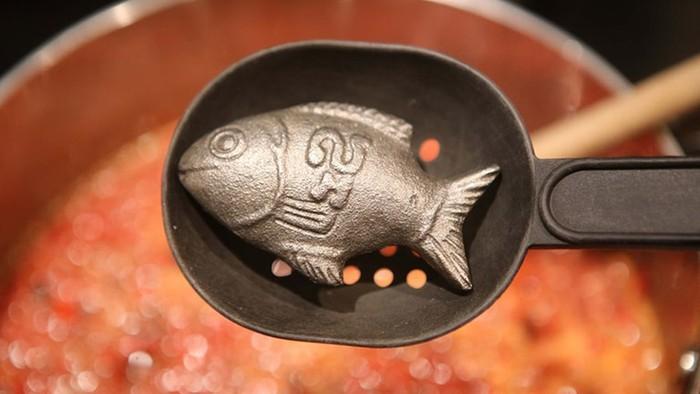 Unik! Ada Besi Bentuk Ikan Yang Bisa Penuhi Keperluan Zat Besi Tubuh