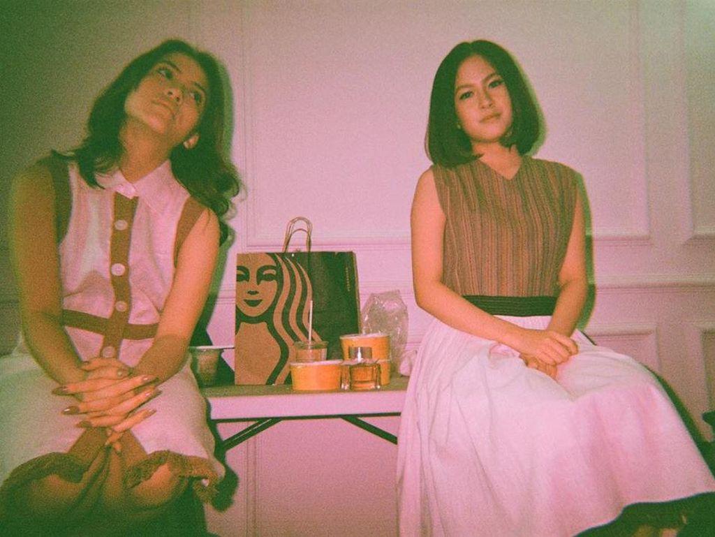 Kekompakan Hasyakyla Utami dengan Sang Adik, Zara saat Kulineran