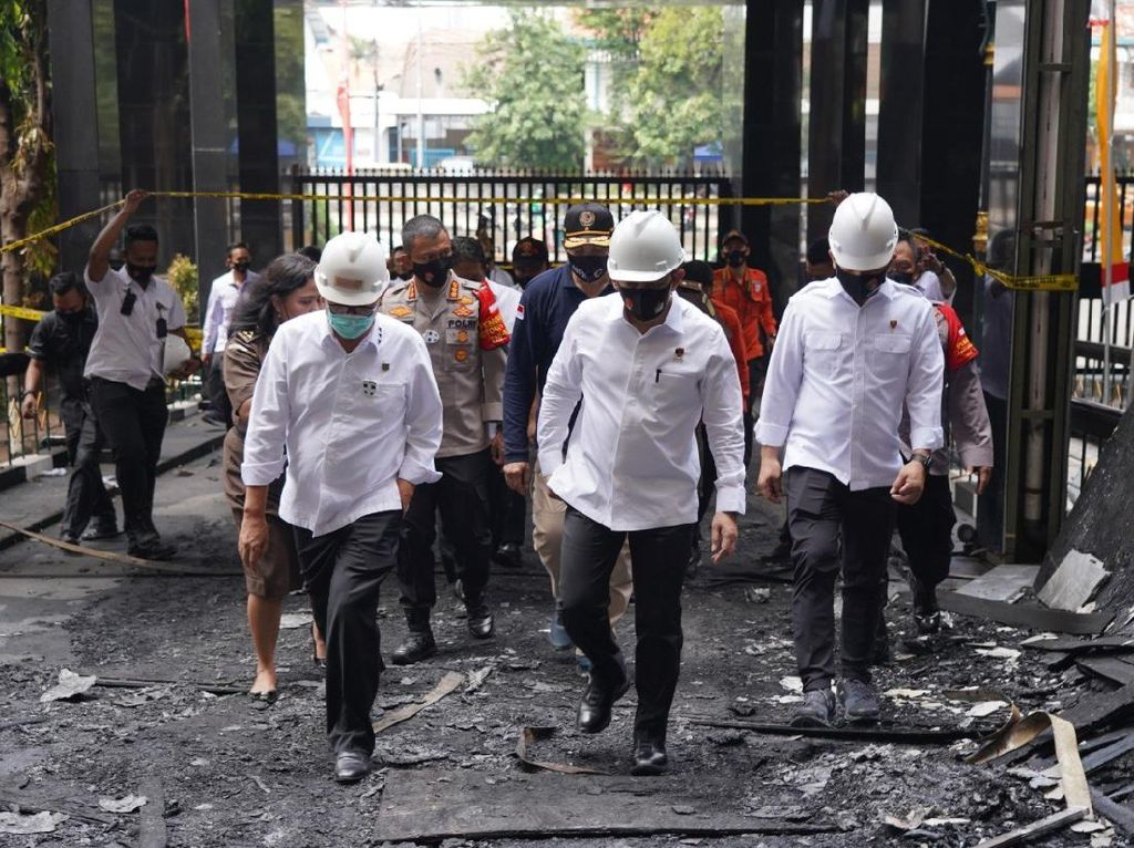Kabareskrim Pantau Proses Olah TKP Kebakaran Gedung Kejagung