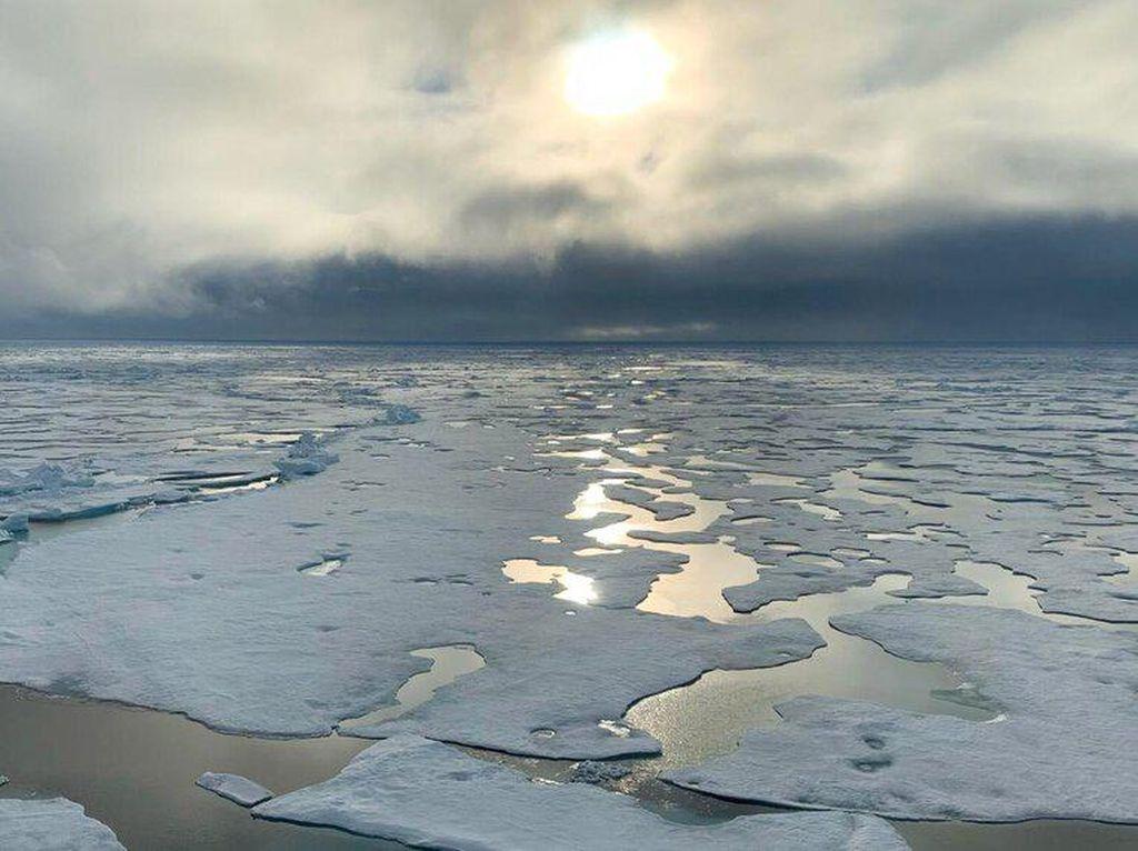 Begini Bentuk Pulau Paling Utara di Bumi
