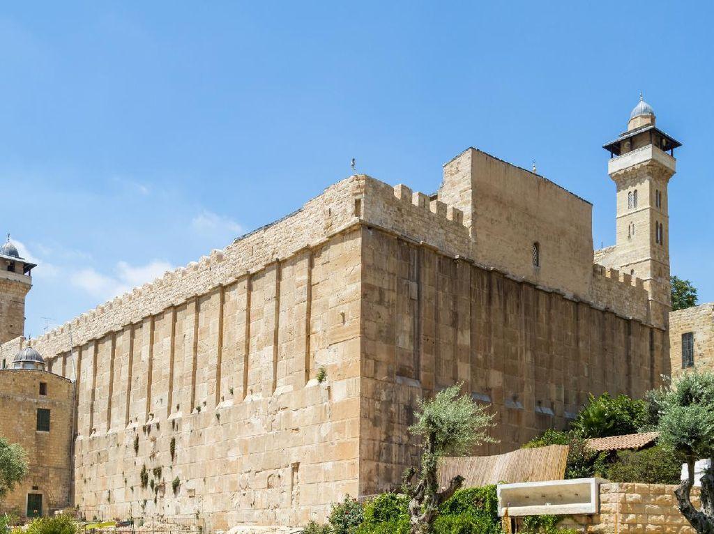 Foto: Masjid Nabi Ibrahim yang Jadi Sengketa Palestina-Israel