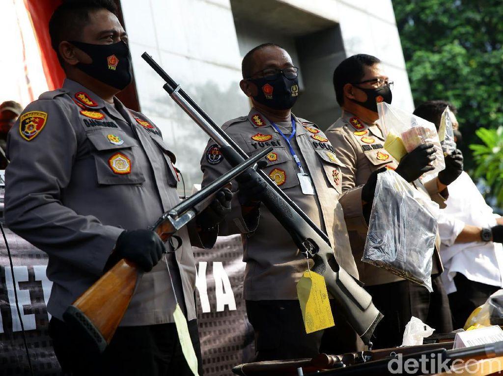 Polisi Ungkap Asal Senpi di Penembakan Bos Pelayaran di Kelapa Gading