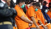 Potret Para Pelaku Penembakan Maut di Kelapa Gading Berbaju Tahanan