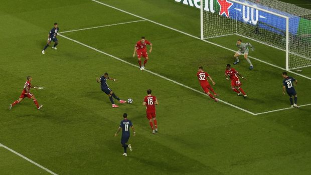 PSG's Kylian Mbappe shoots the ball during the Champions League final soccer match between Paris Saint-Germain and Bayern Munich at the Luz stadium in Lisbon, Portugal, Sunday, Aug. 23, 2020. (AP Photo/Manu Fernandez, Pool)