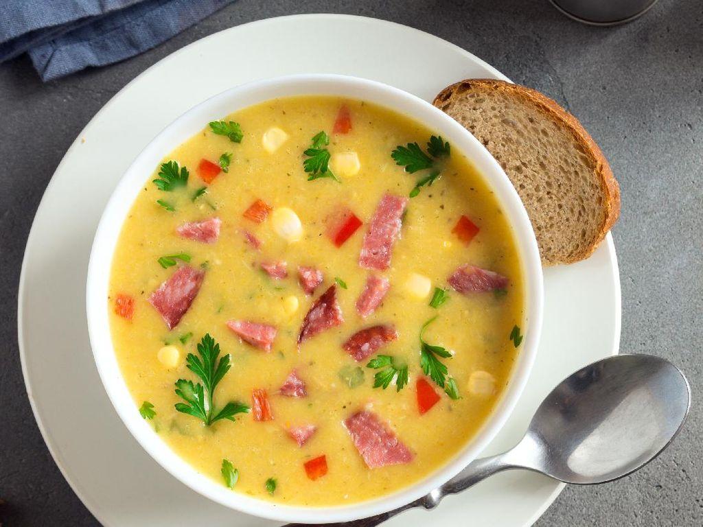 Resep Sup Jagung Manis Daging Asap yang Creamy Enak