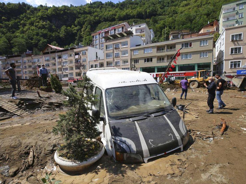 Banjir Bandang Landa Turki, Enam Orang Tewas