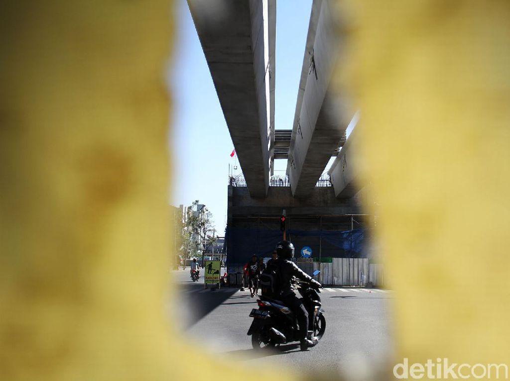 3 Girder Dipasang di Flyover Jalan Laswi Bandung