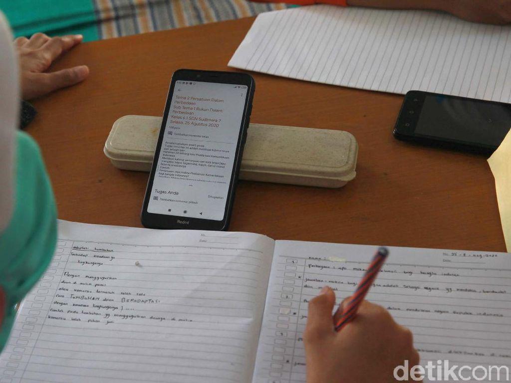 Nadiem Janjikan 35 GB per Bulan Buat Sekolah Online, Cukupkah?