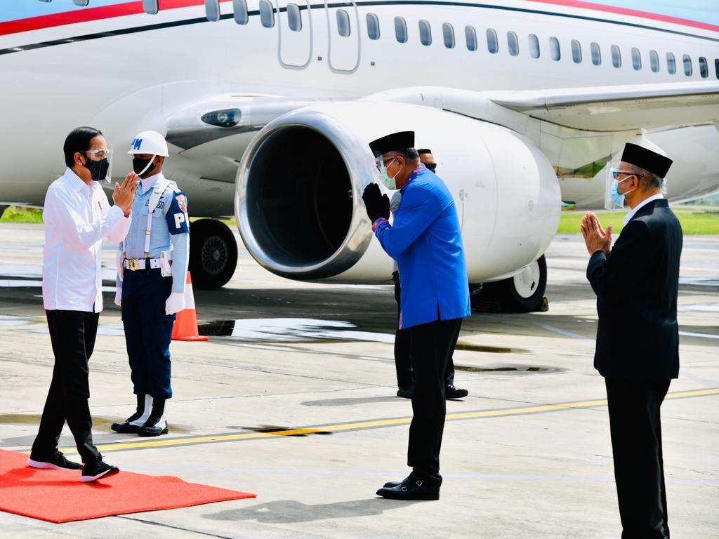 Jokowi Tiba di Aceh, Resmikan Tol Sigli-Beri Arahan Penanganan Corona
